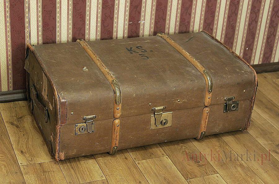 Stary Kufer podróżny